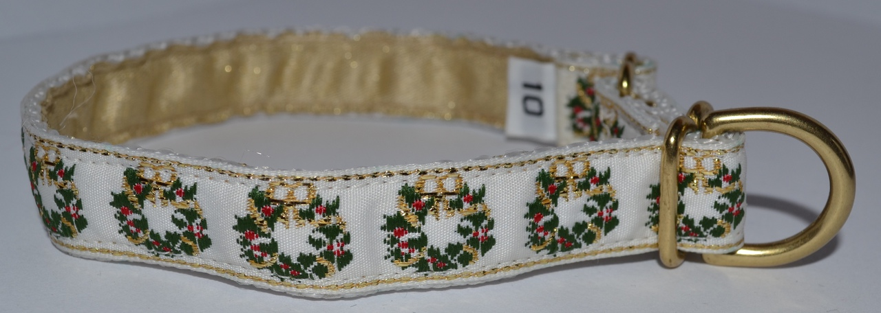 Holiday Wreaths 5/8 inch Collar