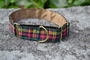 "The Buchanan tartan is Cheerful with Yellow, Hunter Green and Red.Available in 1.5"", 1"", 3/4"" or 5/8"" widths in Standard, Single Loop or Martingale style collar.You can also get a 4' or 6' feet matching leash in the Buchannon"